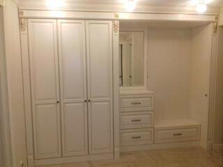 Встроенные шкафы в прихожую фото